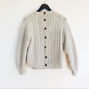 Vintage Wool Cream Cable knit sweater Sz XS Cozy